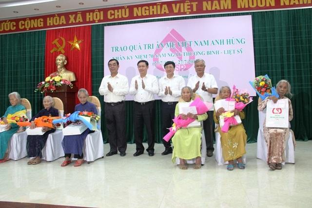 Sáu Mẹ VNAH được Phó Thủ tướng và lãnh đạo tỉnh Quảng Trị trao quà nhân dịp kỷ niệm ngày thương binh, liệt sĩ