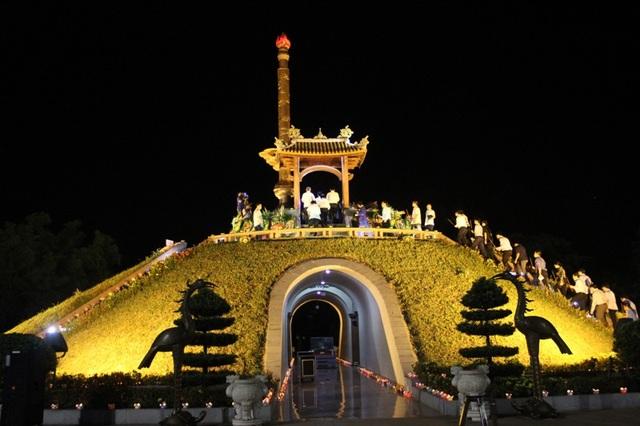 Thành cổ Quảng Trị trong đêm tri ân