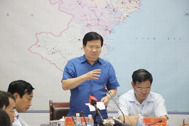 Phó Thủ tướng Trịnh Đình Dũng yêu cầu các địa phương không chủ quan trong ứng phó với mưa lũ.