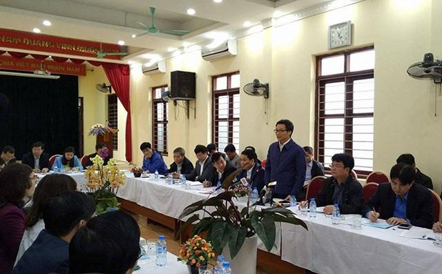 Phó Thủ tướng Vũ Đức Đam làm việc với Hà Nội về công tác chăm sóc sức khỏe nhân dân