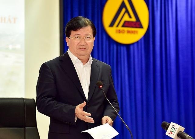 Phó Thủ tướng nêu 4 yêu cầu về thời gian, chi phí, chất lượng, thi công đối với việc nâng cấp, mở rộng sân bay Tân Sơn Nhất.