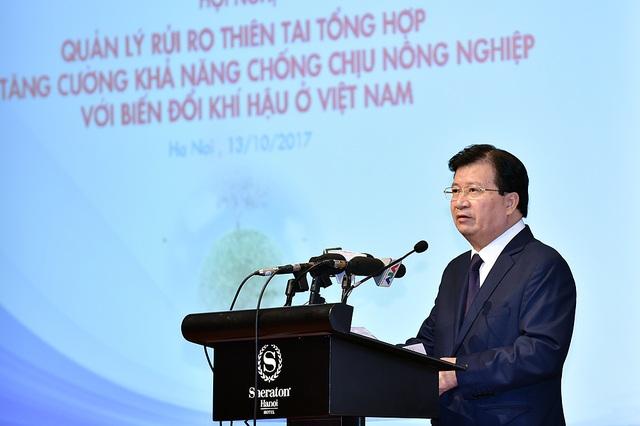 Phó Thủ tướng Trịnh Đình Dũng: Khi có thiên tai, ưu tiên hàng đầu là bảo vệ tính mạng con người.