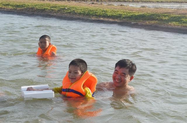 Tăng cường sự quản lý của phụ huynh, hướng dẫn kỹ năng bơi lội cho trẻ em để phòng chống tai nạn đuối nước
