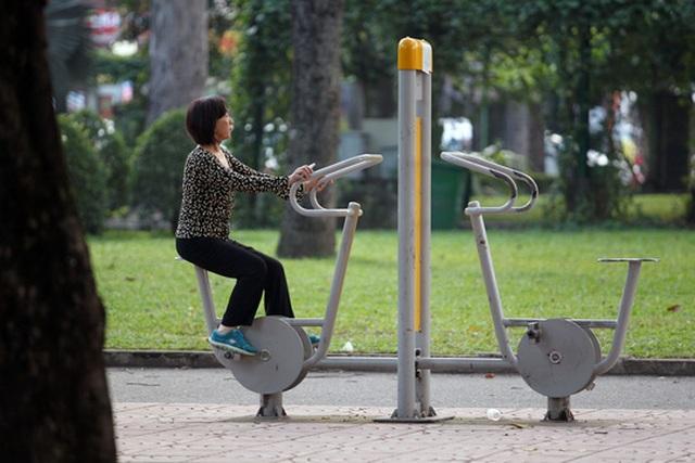 Tập đi bộ, đạp xe trước chuyến leo núi sẽ giúp cơ thể thích ứng dần, tăng cường sức mạnh cho đôi chân và phòng ngừa những cơn đau mỏi cơ, khớpẢnh: HOÀNG TRIỀU