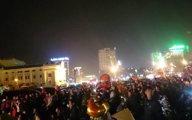 Quảng trường Lam Sơn là nơi thu hút lượng người tham gia đón giao thừa lớn nhất tại Thanh Hóa