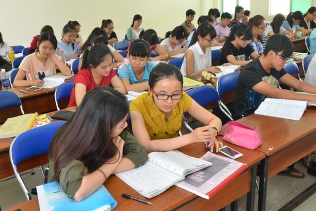 Bộ Giáo dục và Đào tạo yêu cầu các địa phương chủ động đặt hàng các cơ sở đào tạo giáo viên đáp ứng nhu cầu đổi mới. Trong ảnh: Sinh viên Trường ĐH Sư phạm TP HCM trong giờ học. (Ảnh: Tấn Thạnh)