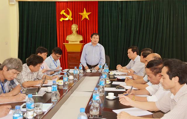 Thứ trưởng Bùi Văn Ga làm việc với Ban chỉ đạo thi tỉnh Ninh Bình chiều 10/5.
