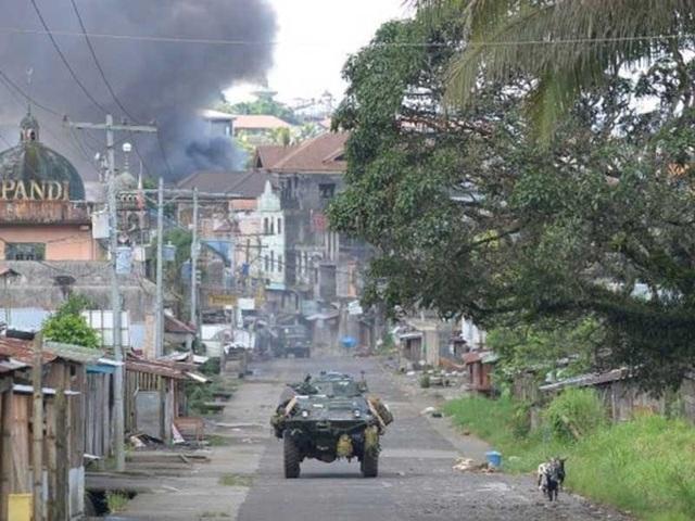 Các trận chiến ở TP Marawi vẫn diễn ra quyết liệt. Ảnh: AFP