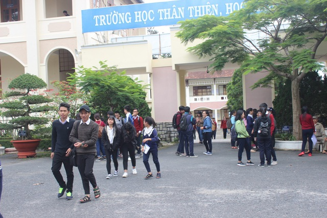 Thí sinh rời điểm thi tại TP Đà Lạt- Lâm Đồng