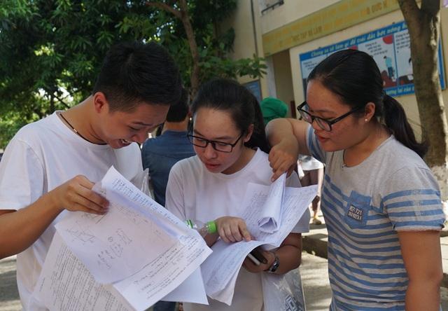 Các thí sinh dự thi THPT quốc gia 2017 tại Nghệ An