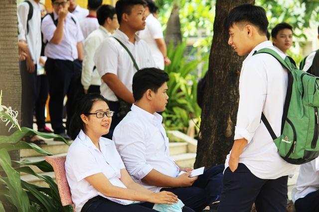 Thí sinh dự thi THPT quốc gia 2017 tại TP Nha Trang, tỉnh Khánh Hòa (Ảnh: Viết Hảo)