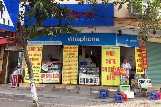 Một cửa hàng bán SIM thẻ tại đường Giải Phóng, Hà Nội. (Ảnh minh họa: Vietnam+)