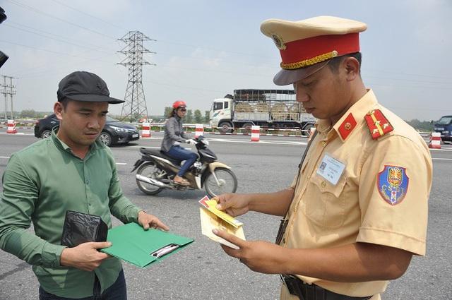Cục CSGT khẳng định không tăng nặng mức phạt vi phạm giao thông từ 1/8
