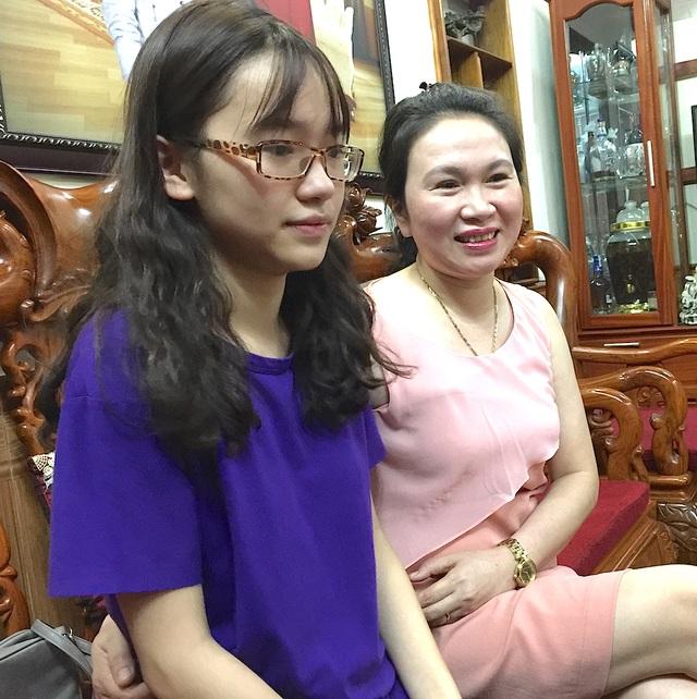 Trang và mẹ.