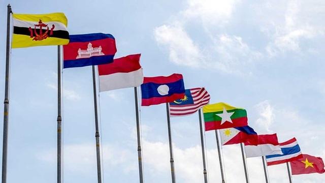Quốc kỳ của các nước thành viên ASEAN.