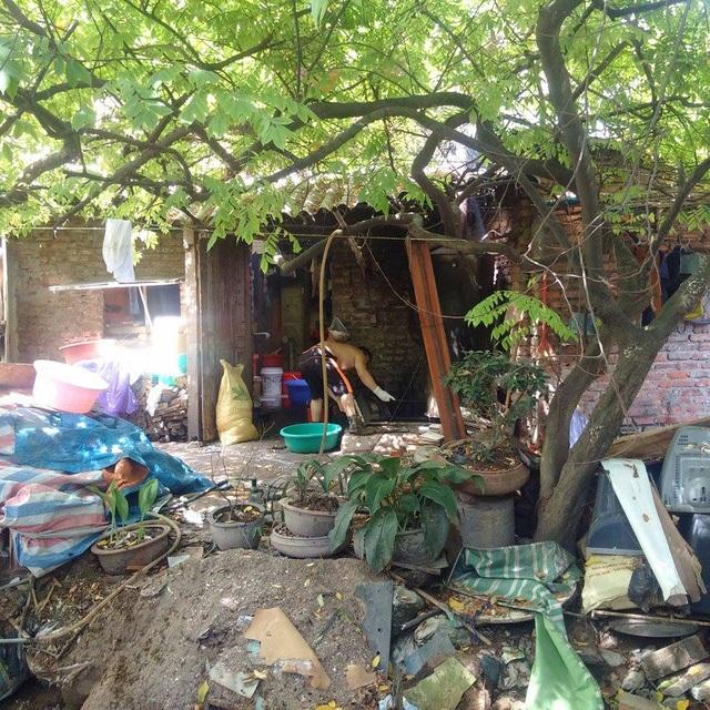 Cảnh sống tạm bợ của dân ngụ cư ngách 59, ngõ Linh Quang.