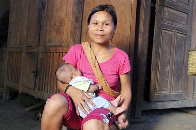 Dù tiêm thuốc tránh thai đúng định kỳ nhưng bà Huê vẫn có bầu, sinh con