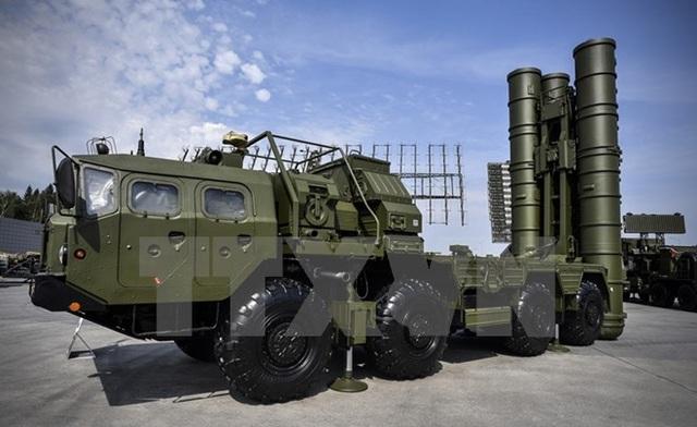 Hệ thống tên lửa phòng không tiên tiến S-400 của Nga. (Nguồn: AFP/TTXVN)