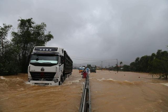 Đoạn Quốc lộ 1A qua xã Lộc Trì, huyện Phú Lộc