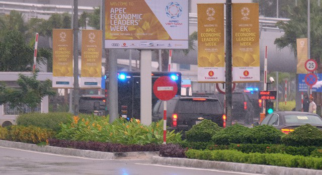 Sau khoảng hơn 1 giờ đồng hồ rời khỏi sân bay Đà Nẵng, đoàn siêu xe của Mỹ đã quay trở lại.