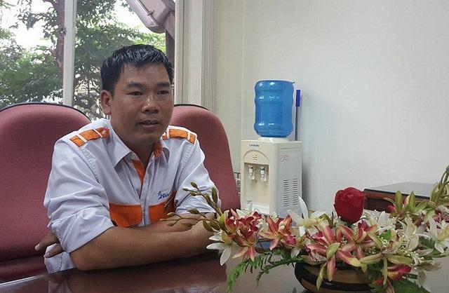 Anh Đỗ Viết Nam gắn bó với nghề lái xe buýt được 12 năm. Ảnh: Nhật Linh