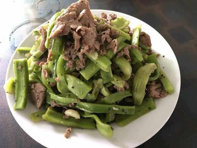 Đĩa rau cần biển xào thịt bò hấp dẫn