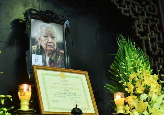 Lễ tang cụ Hoàng Thị Minh Hồ được cử hành chiều ngày 13/11.