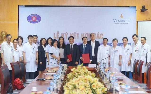 Bệnh viện K và Bệnh viện ĐKQT Vinmec Times City chính thức ký hợp tác, nhằm đem lại cho người bệnh ung thư cơ hội được hỗ trợ chữa trị và tiếp cận các phương pháp điều trị tiên tiến nhất.