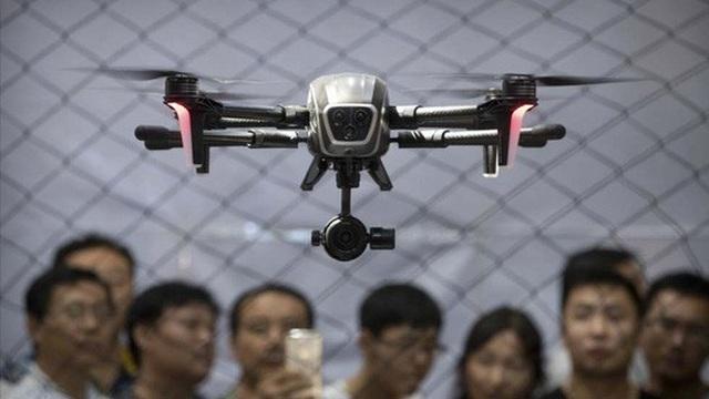 Máy bay không người lái có thể trở thành vũ khí tự động sát thương Ảnh: AP