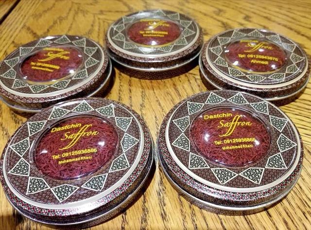 Sản phẩm nhụy hoa nghệ tây xách tay Iran đang hút khách. Ảnh: Facebook