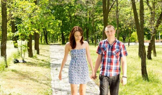 Dành buổi chiều đi dạo công viên cùng nhau. Ảnh minh họa: Internet