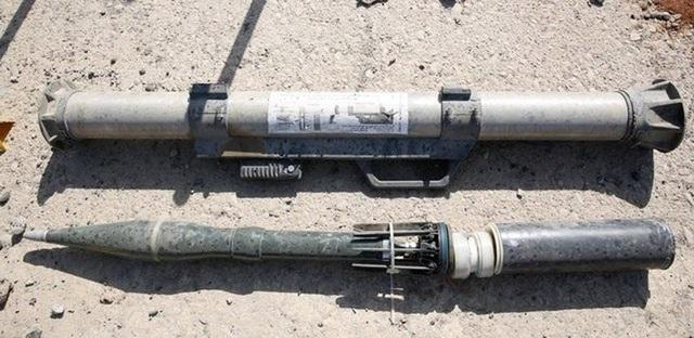 Pháo chống tăng PG-9 nòng 73mm được IS cải tiến lại. Vũ khí này được Romania sản xuất năm 2016, xuất khẩu sang Mỹ, và được nhìn thấy ở Mosul (Iraq) năm 2017, theo CAR. Ảnh: SEATTLE TIMES