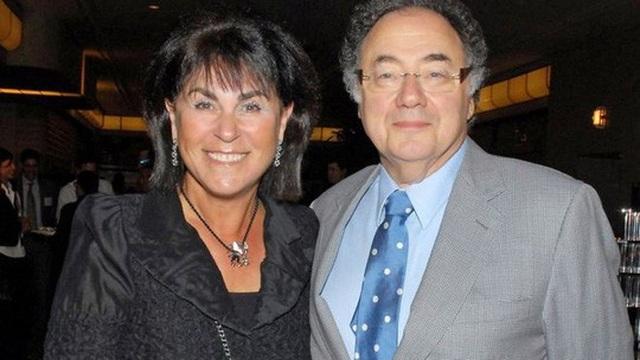 Tỉ phú Canada Barry Sherman và vợ ông, bà Honey. Ảnh: Reuters