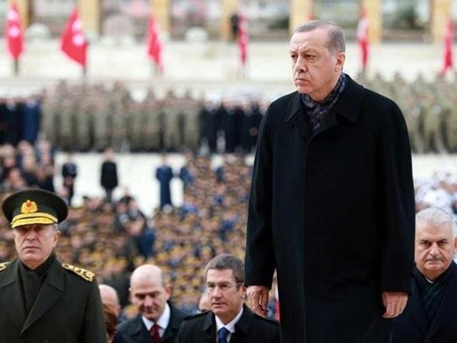 Tổng thống Thổ Nhĩ Kỳ Recep Tayyip Erdogan (phải) nhiều lần phản đối quyết định của Mỹ trong vấn đề Jerusalem. Ảnh: AFP