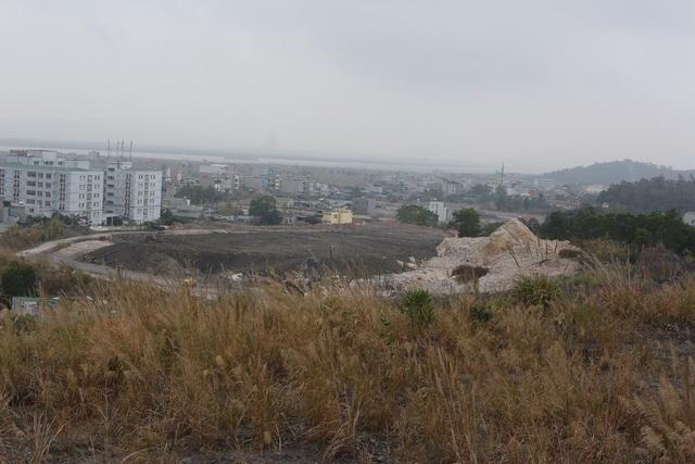 """Quảng Ninh: Hơn 1000 hộ dân phải sống bên """"hố tử thần"""" vì nạn khai thác than thổ phỉ - 11"""