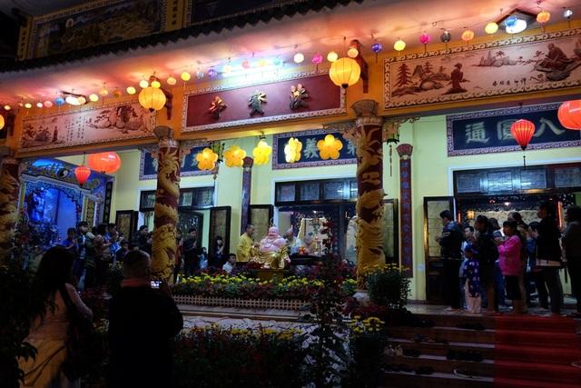 Lễ chùa đầu năm cầu an, cũng là tìm về chốn tâm linh thanh tịnh trong thời khắc thiêng liêng đất trời giao hòa