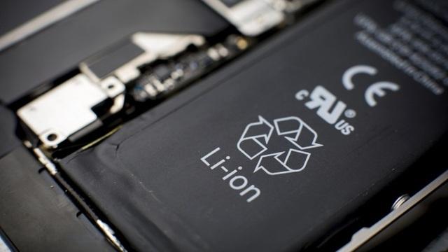 Không nhiều nhà sản xuất đủ khả năng tự kiểm tra và đánh giá chất lượng pin của thiết bị di động do mình sản xuất. (Ảnh: Forbes)
