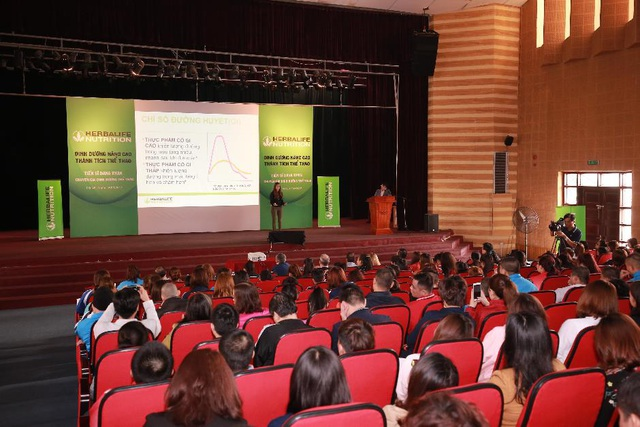 Hai buổi huấn luyện dinh dưỡng thể thao tại TPHCM và Hà Nội khởi đầu cho chương trình tài trợ dinh dưỡng 5 năm của Herbalife