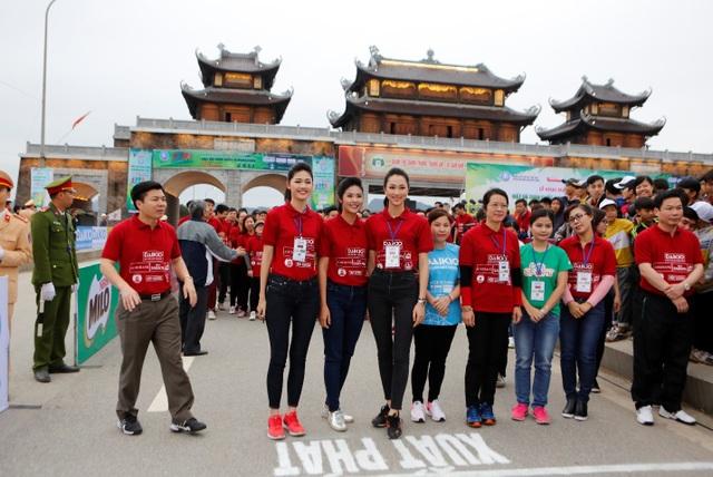 Giải Việt Dã 2017 do báo Tiền Phong tổ chức với sự đồng hành tài trợ của nhiều đơn vị, tổ chức trong nước. Đây là hoạt động thể thao diễn ra thường niên với mục tiêu nâng cao tinh thần thể dục thể thao và rèn luyện sức khỏe trong toàn dân, kết nối cộng đồng với các hoạt động ý nghĩa, thiết thực.