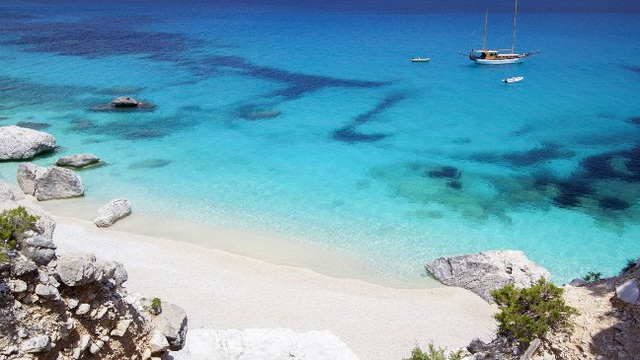 Chào mùa hè với 8 bãi biển tuyệt đẹp ở châu Âu - 1