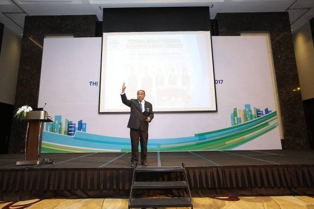 Ông Ismail Gafoor tham gia giao lưu với các khách mời tại Hội thảo thường niên Thị trường Bất động sản Việt Nam 2016 – 2017