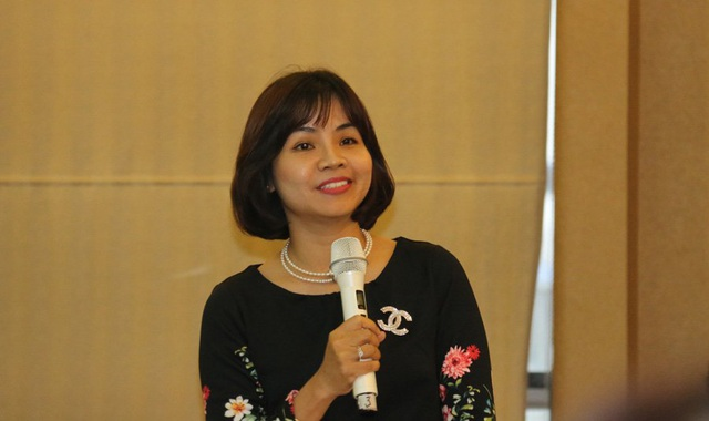 Bà Hồ Thúy Ngọc – đại diện tới từ ĐH Ngoại thương Hà Nội cho rằng quy định đưa nội dung bắt buộc vào chương trình của nước ngoài sẽ là một điểm trừ