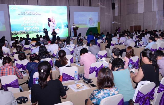 Với nhiều thông tin hữu ích về vắc xin ngừa vi rút Rota, hội thảo đã thu hút sự tham gia của của các chuyên gia đầu ngành về Nhi khoa và Y học dự phòng cùng 450 cán bộ y tế