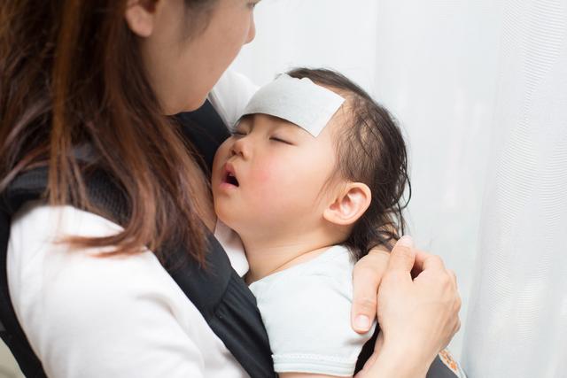 Trẻ con thường xuyên phải đối mặt với bệnh mùa, bệnh vặt khiến các bà mẹ vô cùng lo lắng