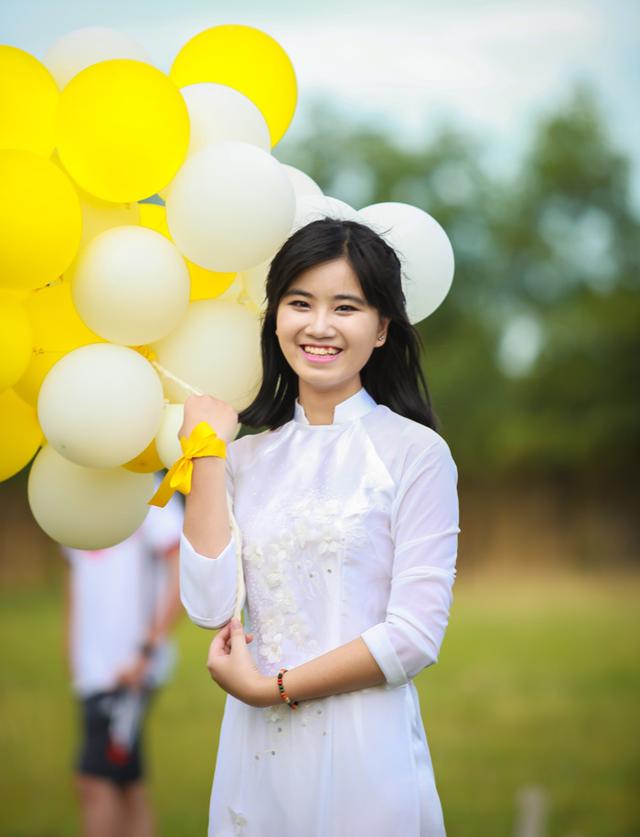Đặng Thúy Quỳnh từng bỏ ý định du học vì khó khăn tài chính.