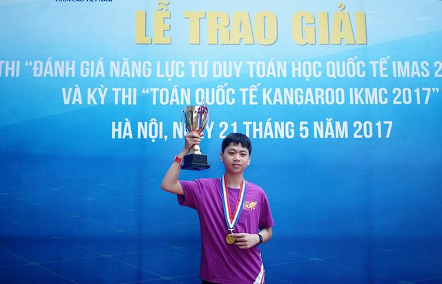 Em Nguyễn Nhật Linh cùng lúc đạt giải thưởng cao nhất của cả 2 kỳ thi IMAS và IKMC.