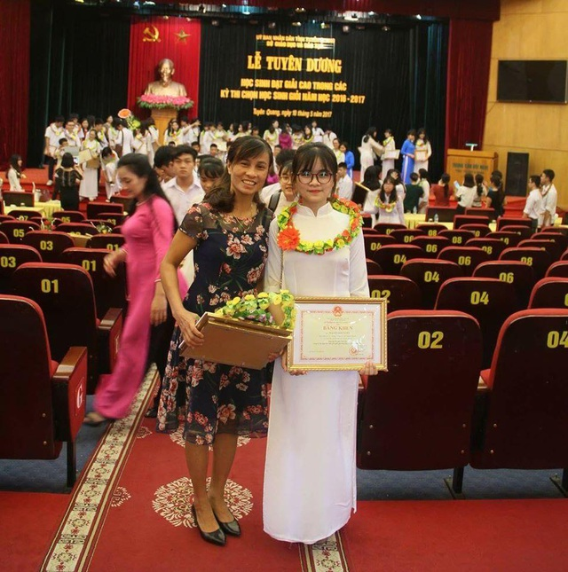 Em Nguyễn Kim Tuyên có thành tích học tập đáng nể.