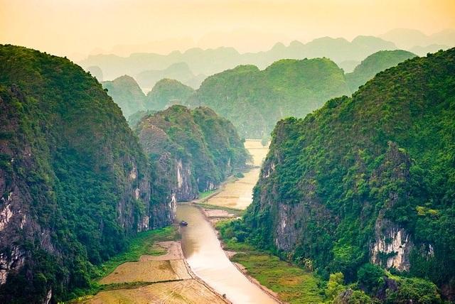 Hàng triệu khán giả đã theo chân đoàn phim Kong khám phá thiên nhiên nguyên sơ, hùng vĩ tại Hang Én - Tú Làn