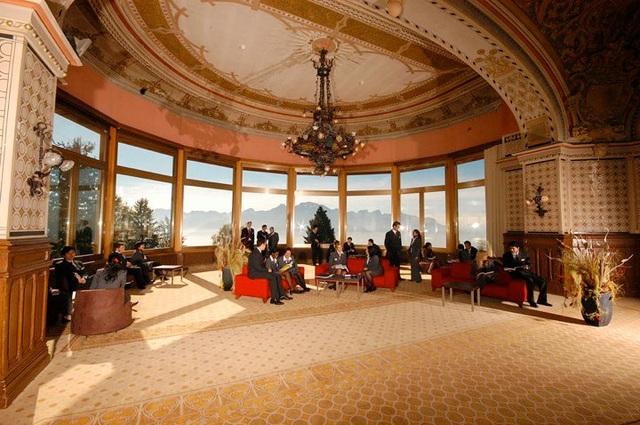 Mô hình khách sạn 5 sao tại học viện SHMS – Thụy Sỹ