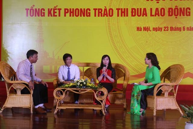 Tọa đàm tại hội nghị Tổng kết phong trào thi đua lao động sáng tạo giai đoạn 2012 – 2017 được tổ chức sáng nay tại Hà Nội. (Ảnh: Hồng Vân)